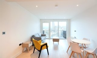 to rent in Lincoln Apartments, Fountain Park Way, W12 7LG-View-1