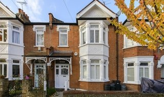 House to rent in Muncaster Road, London, SW11 6NU-View-1