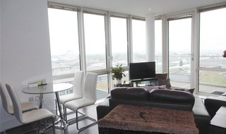 Flat to rent in Naval House, 6 Victory Parade, SE18 6FN-View-1