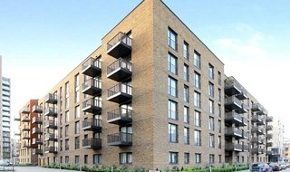 Flat to rent in Navigation House, Whiting Way, SE16 7EG-View-1