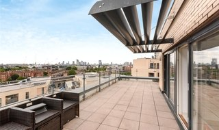 to rent in Parker Building, Jamaica Road, SE16 4EF-View-1