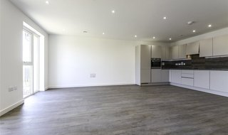 to rent in Perryfield Way, London, NW9 7FD-View-1