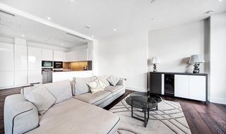 Flat to rent in Ravensbourne Apartments, 5 Central Avenue, SW6 2GN-View-1