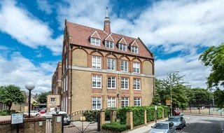 Flat to rent in Shillington Old School, 181 Este Road, SW11 2TB-View-1