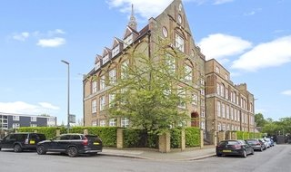 Flat to rent in Shillington Old School, Este Road, SW11 2TB-View-1