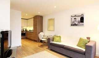Flat to rent in Sirius House, Seafarer Way, SE16 7DR-View-1