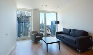 Flat to rent in Southbank Tower Upper Ground, London, SE1 9EY-View-1