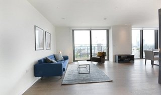 Flat to rent in St. Gabriel Walk, London, SE1 6FB-View-1