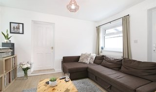 to rent in St Helen's Road, Norbury, SW16 4LB-View-1