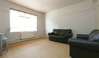 Flat to rent in Tudor Court, London, W13 8NE-View-1