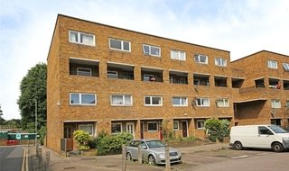 Flat to rent in Turenne Close, London, SW18 1JW-View-1