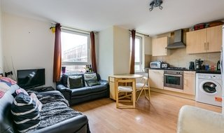 to rent in Wallis Close, London, SW11 2BA-View-1
