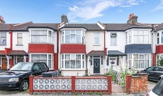 to rent in Warwick Road, Thornton Heath, CR7 7NG-View-1