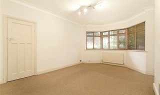 to rent in Woodleigh Gardens, Streatham, SW16 2SX-View-1