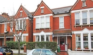 Flat to rent in Yukon Road, London, SW12 9PU-View-1